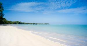 Authentic-Phuket-The-Sarojin-Beach