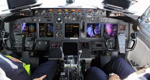 Comair-Boeing-Cockpit