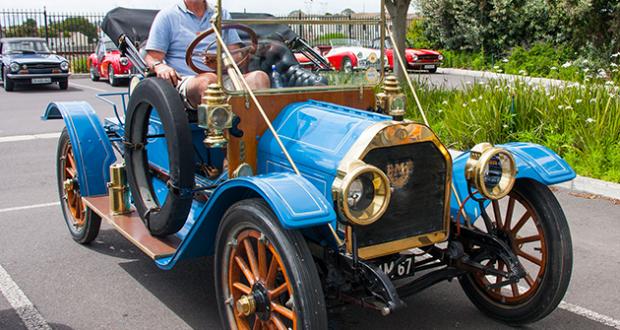 1912 EMF vintage car