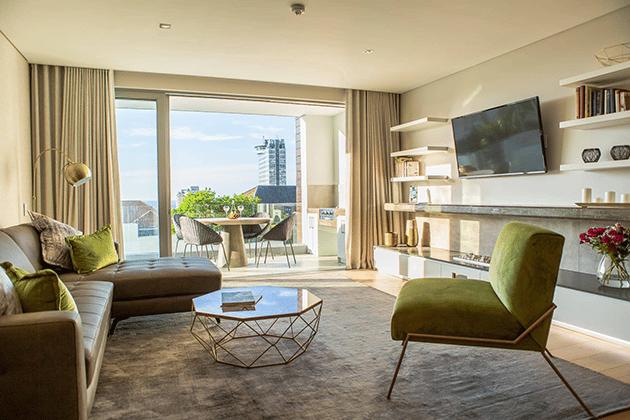 Elements Luxury Suites Lounge